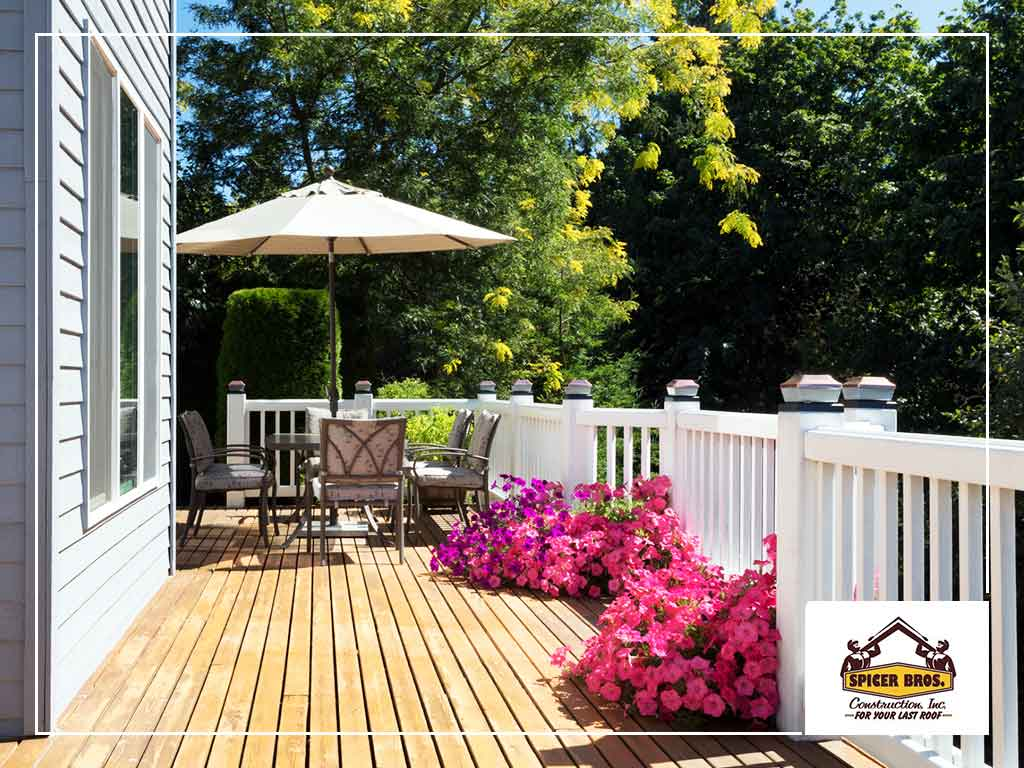 Signs That Indicate You Need a New Deck